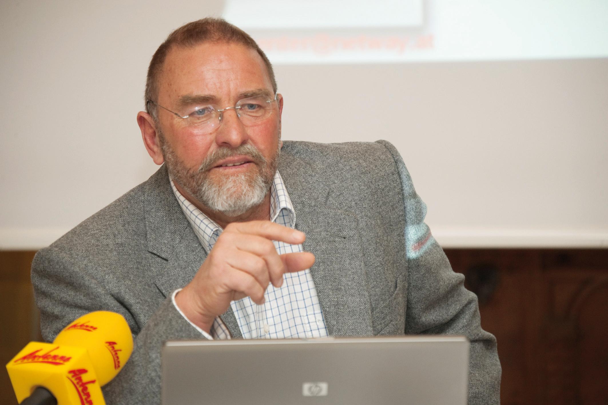 Univ. Prof. Sepp Porta